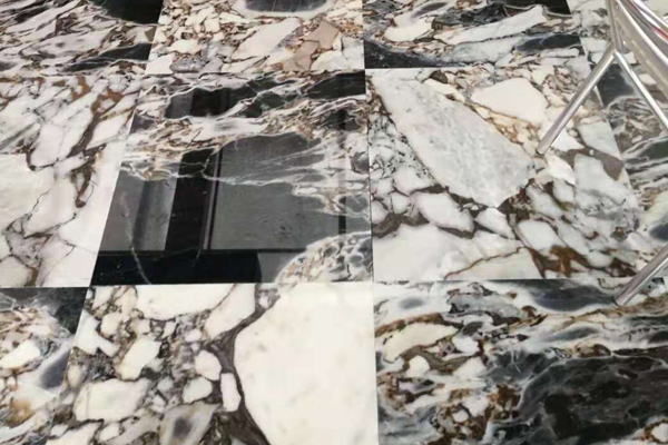 white and grey marble tiles flooring